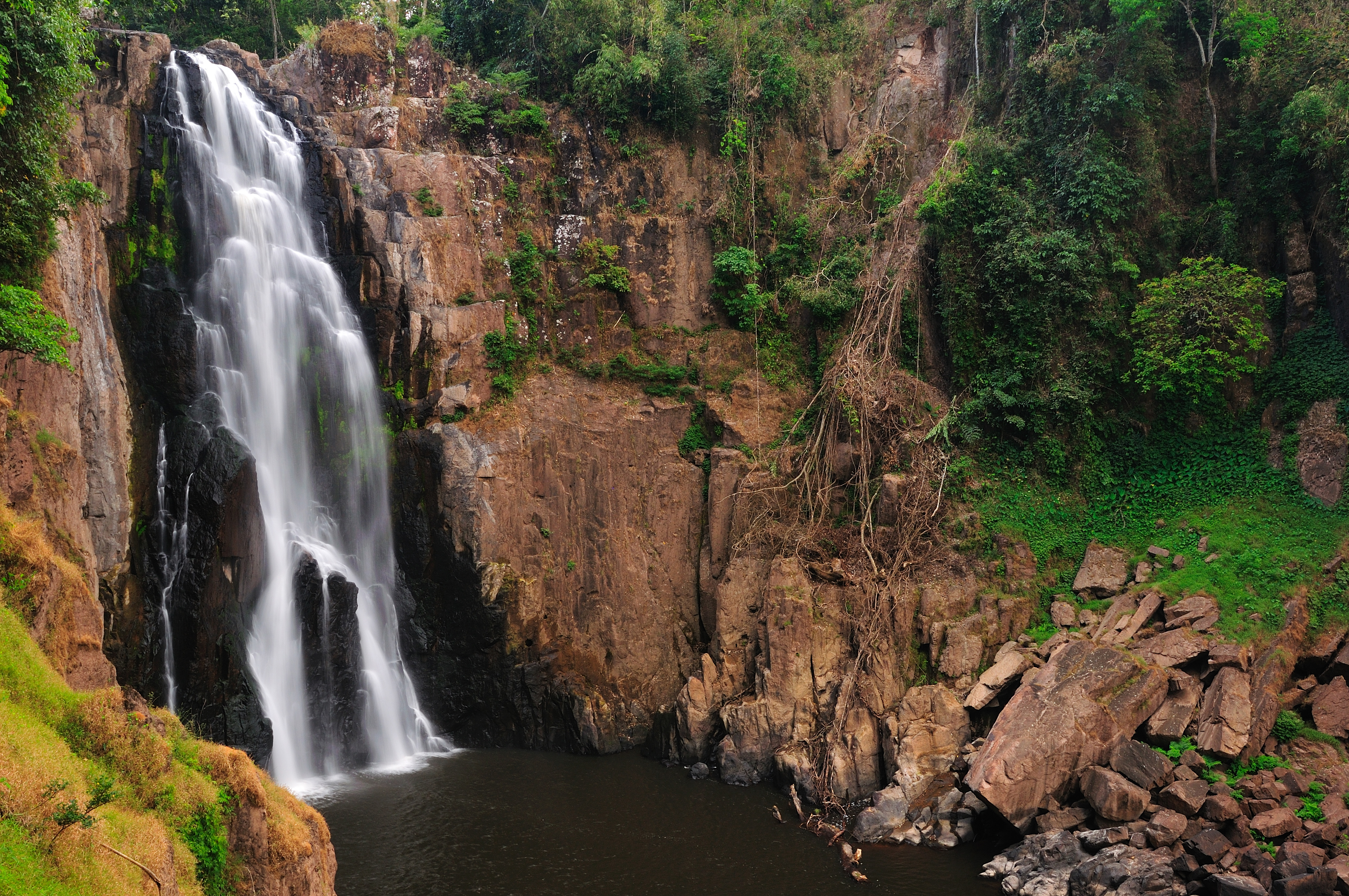 Haew narok waterfall first tier